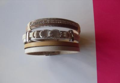 Bracelet multi-rangs strass cristallin nuances de beige