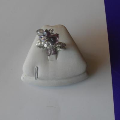 Bague multi-rangs, perles ton violet et cristal de swarovski.