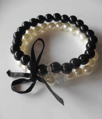 Bracelet duo perles noires et blanches, strass et ruban.