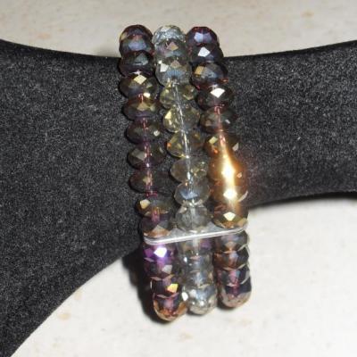 Bracelet 3 rangs de perles cristal de swarovski prune et gris.