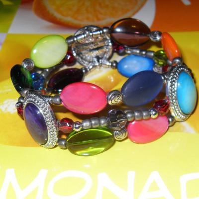 Bracelet multicolore, 3 rangs de perles, métal, cristal et cabochons.