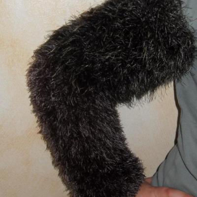 Les liseuses, manches laine fausse fourrure.