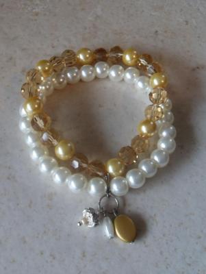 Bracelet orange, perles swarovski, ruban et pampilles strass.