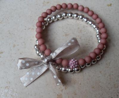 Bracelet rose-argenté, perle strass rose, ruban satin beige à pois.