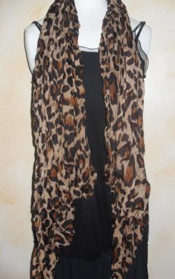 Foulard long, léopard marron et noir.